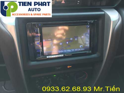 dvd chay android  cho Toyota Fortuner 2016 tai Quan Go Vap