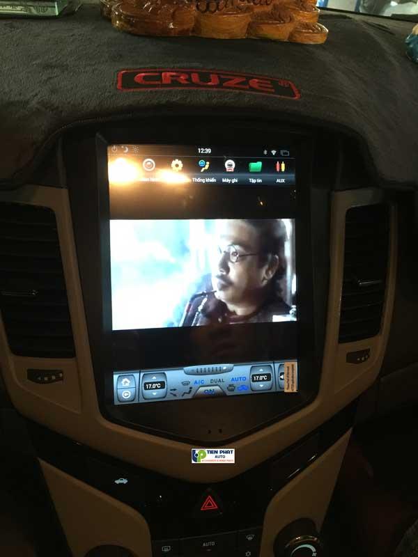Lắp Màn Hình DVD Tesla Cho Chevrolet Cruze 2009-2017